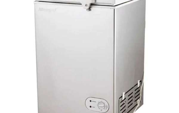 Solar Dc Freezer Has A Thick Insulating Layer And A Self-produced Compression Refrigeration System Optimized For Solar E